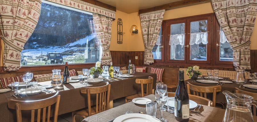 france_espace-killy-ski-area_tignes_chalet_le_dome_dining2.jpg